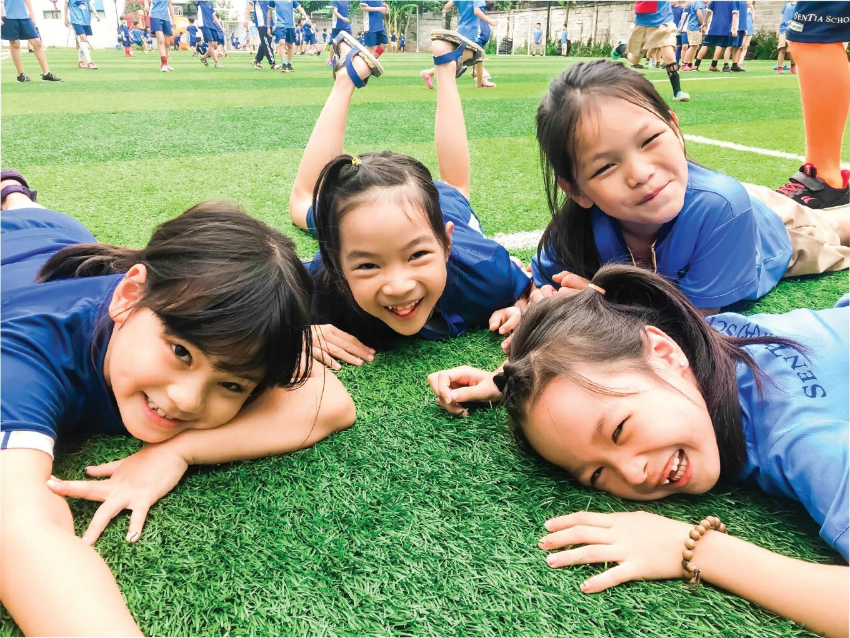 """Chuyện cóp nhặt ở ngôi trường của những đứa trẻ """"trưởng thành trong hạnh phúc"""""""